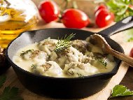 Рецепта Телешки кюфтета фрикасе с бял сос Тербелия от яйца, брашно и кисело мляко